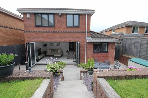 4 bedroom detached house for sale - Brookfield Avenue, Barry