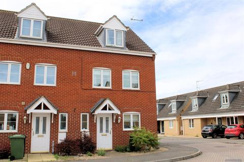 4 bedroom semi-detached house for sale - Snowdrop Close, West Lynn