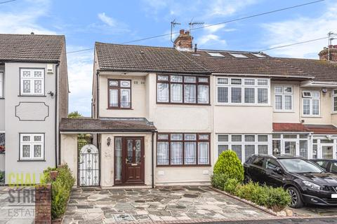 3 bedroom end of terrace house for sale - Macdonald Avenue, Hornchurch, RM11