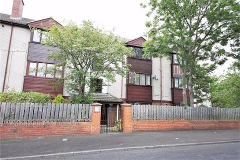 2 bedroom apartment - Carlisle House, Farringdon, Sunderland, SR3