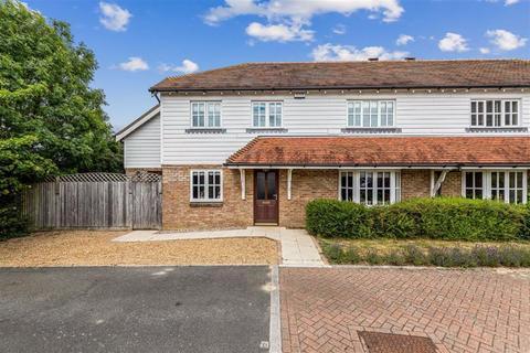 5 bedroom semi-detached house for sale - Myrtle Court, Kingsnorth, Ashford