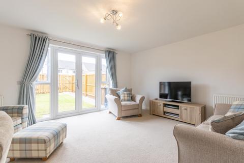3 bedroom flat to rent - Killiekrankie Path Edinburgh EH30 9AE United Kingdom