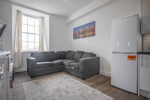 4 bedroom flat to rent - Nicolson Street Edinburgh EH8 9EH United Kingdom