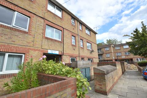 2 bedroom flat for sale - Bath Close Peckham SE15