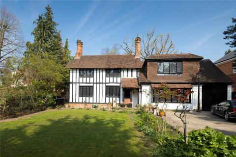 3 bedroom detached house for sale - Coombe Hill Road, Kingston upon Thames