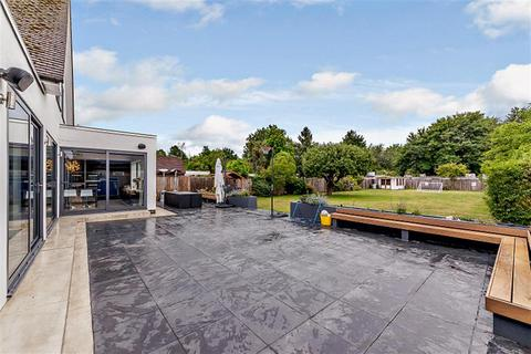 9 bedroom detached house for sale - Wraysbury Road, Staines Upon Thames, TW19