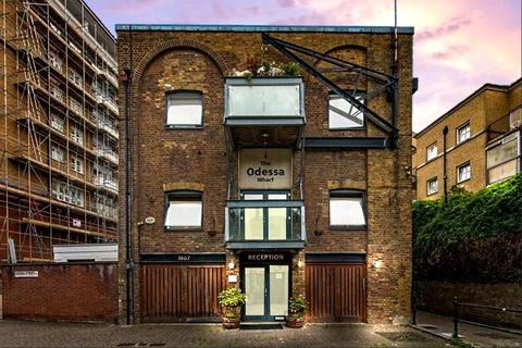 2 bedroom flat for sale - Odessa Wharf, 7 Odessa Street, London, SE16