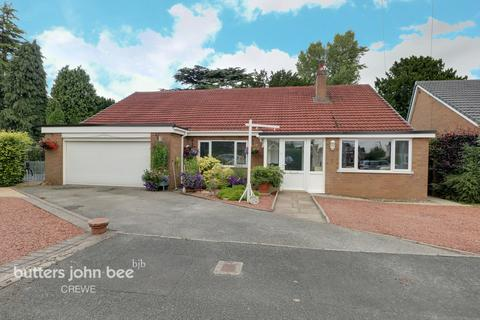 4 bedroom detached bungalow for sale - Blake Close, Crewe
