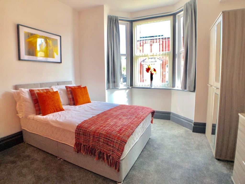5 bedroom 5 en suite shared house  16 belmont ave