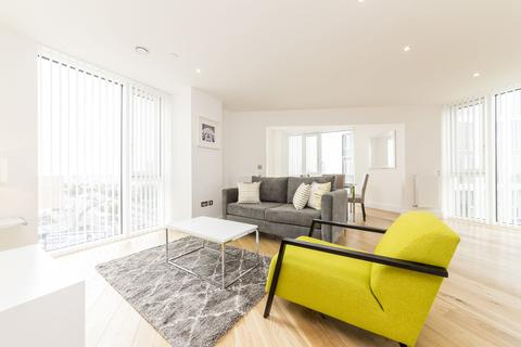 3 bedroom apartment to rent - Sky View Tower, 12 High Street, London, E15