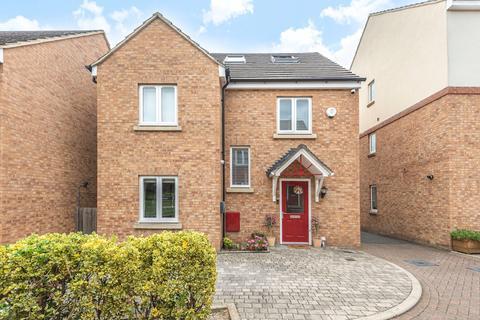 5 bedroom detached house for sale - Thomas Drive, Uxbridge, Middlesex, UB8