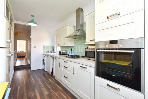 1 bedroom apartment for sale - Chesterfield Gardens, Harringay, London, N4