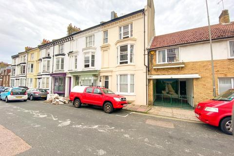 4 bedroom terraced house to rent - Chesham Road, Brighton, East Sussex, BN2