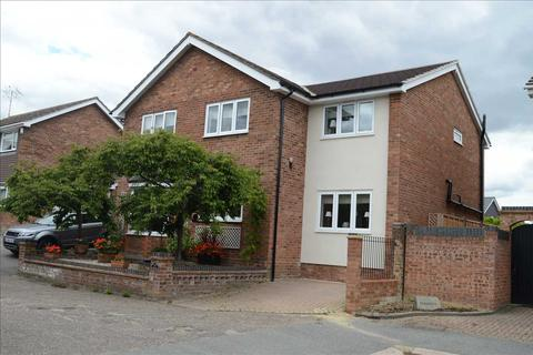 5 bedroom detached house for sale - Gernon Close, Broomfield, Chelmsford