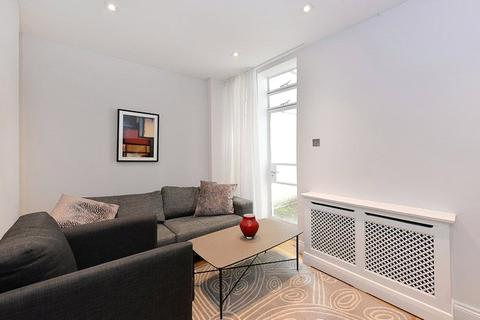 2 bedroom house to rent - Connaught Square, London