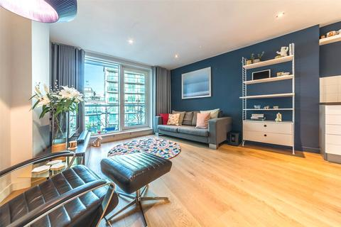 1 bedroom apartment for sale - Aquarius House, 15 St George Wharf, London, SW8