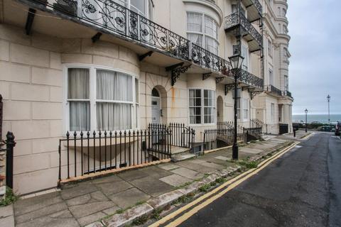 2 bedroom apartment for sale - Marine Square, Brighton