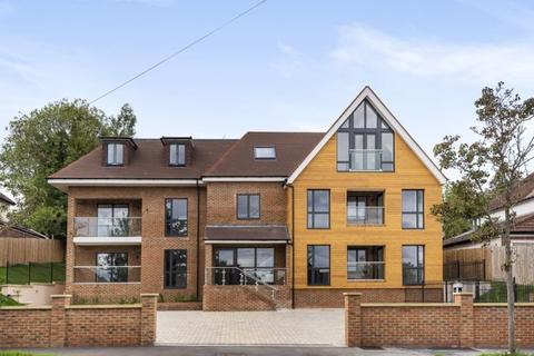 3 bedroom apartment for sale - Woodcrest Road, West Purley