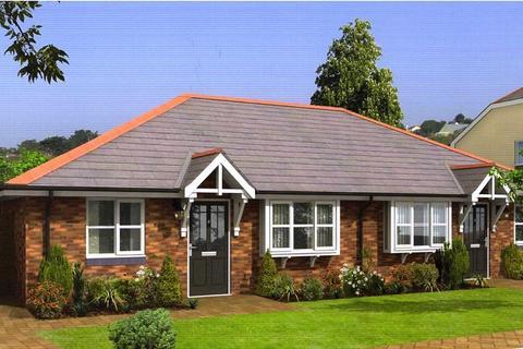 2 bedroom semi-detached bungalow for sale - Bryn Heulog, Deganwy