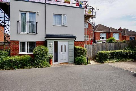2 bedroom flat for sale - The Greenfinches, 273 Spring Road, Southampton, SO19 2NZ