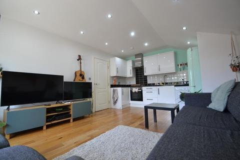 1 bedroom flat for sale - Chapel Road, Worthing, West Sussex, BN11 1EG
