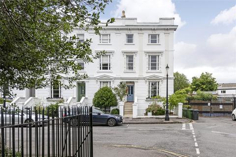 4 bedroom end of terrace house for sale - Grafton Square, London, SW4