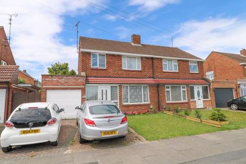 3 bedroom semi-detached house for sale - Duncombe Drive, Dunstable