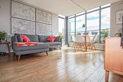 1 bedroom apartment to rent - The Roundway, London, N17