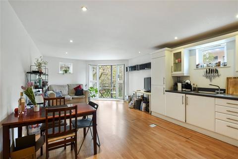 2 bedroom flat to rent - Chandlers Court, Elgar Street, London, SE16