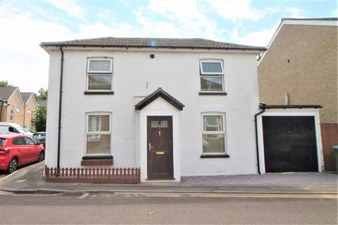 3 bedroom detached house for sale - Henry Road, Southampton