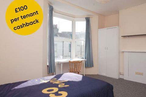 4 bedroom terraced house to rent - Viaduct Road, Brighton