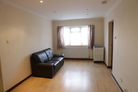 1 bedroom flat - Stanwell Road, Feltham, Middlesex