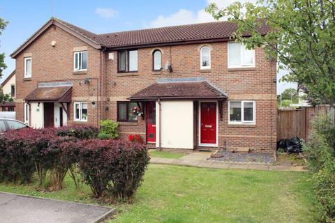 2 bedroom semi-detached house for sale - Fletcher Drive, SS12