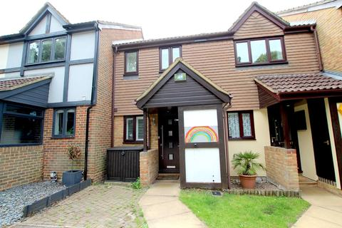 2 bedroom terraced house for sale - King George Close, Sunbury-on-Thames, TW16