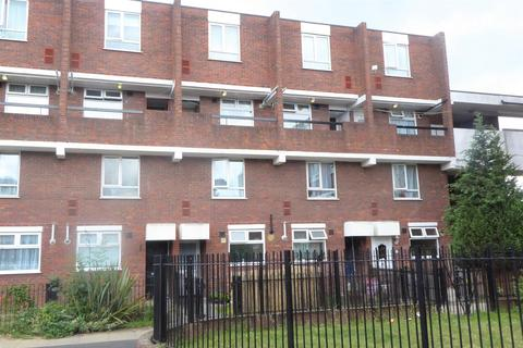 2 bedroom flat for sale - Benson Close, Hounslow