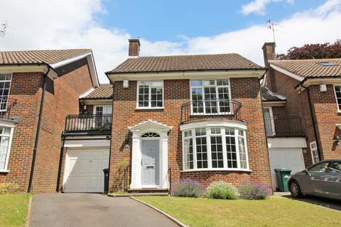 4 bedroom semi-detached house for sale - Whittingehame Gardens, Brighton BN1
