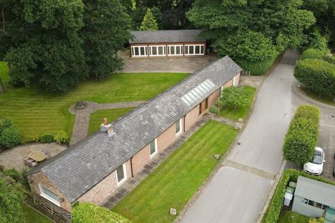 5 bedroom barn conversion for sale - The Stables, Home Farm, Chester Road, Mere