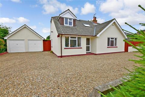 4 bedroom detached bungalow for sale - School Lane, Platts Heath, Maidstone, Kent