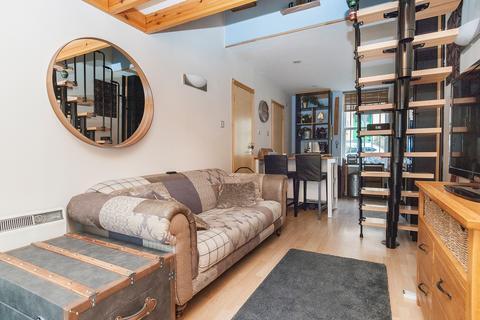 Studio to rent - Belford Mews Edinburgh EH4 3BT United Kingdom