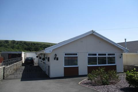 2 bedroom detached bungalow to rent - Waun Gyrlais, Ystradgynlais, Swansea.