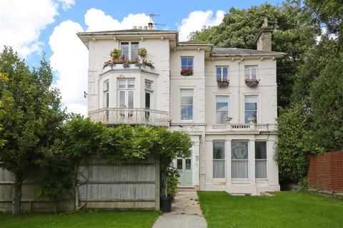 3 bedroom flat for sale - Park Road, Southborough, Tunbridge Wells