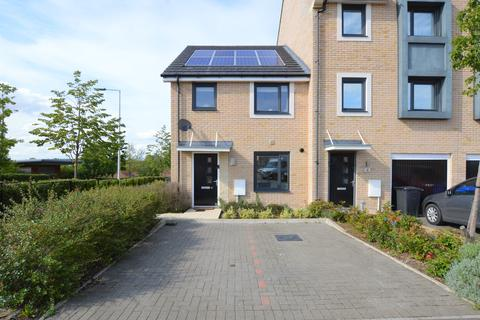 3 bedroom townhouse for sale - FLEMING WAY, WITHERSFIELD, HAVERHILL CB9