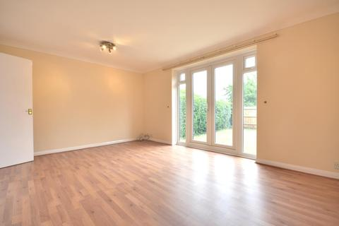 3 bedroom semi-detached house to rent - Edwards Avenue, South Ruislip, Middlesex, HA4 6UP