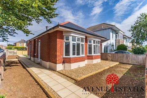 2 bedroom bungalow for sale - 24 Stamford Road, Bournemouth BH6