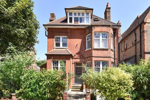 2 bedroom flat for sale - Riggindale Road, Streatham