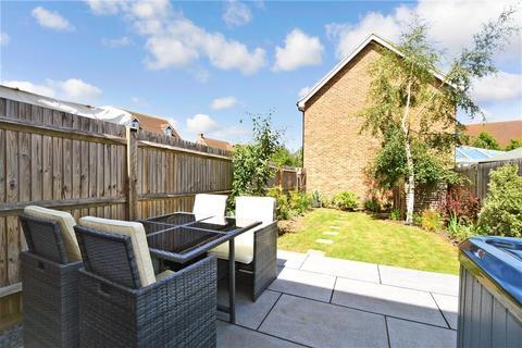 3 bedroom terraced house for sale - Gambit Way, Wainscott, Rochester, Kent