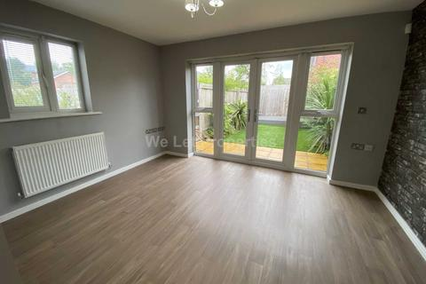 2 bedroom house to rent - Bugle Close, Salford