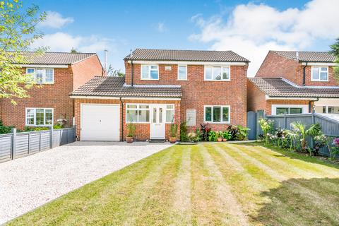 3 bedroom detached house for sale - Milton Drive, Tunbridge Wells