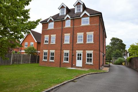 2 bedroom apartment to rent - Claremont Avenue, Woking
