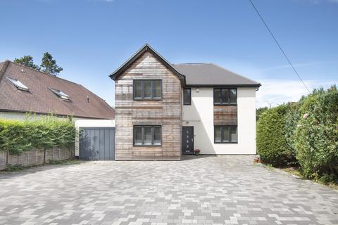 5 bedroom detached house for sale - Wrecclesham Hill, Farnham